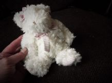 ADORABLE FAUX SOFT FLUFFY WHITE FUR STUFFED TEDDY BEAR SALCO GROUP COTTON BOWS